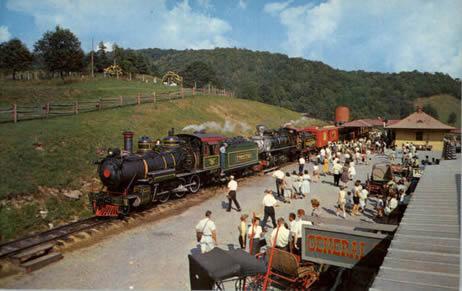 Railroad Pass Show Cars